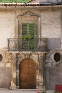 A door in Scanno