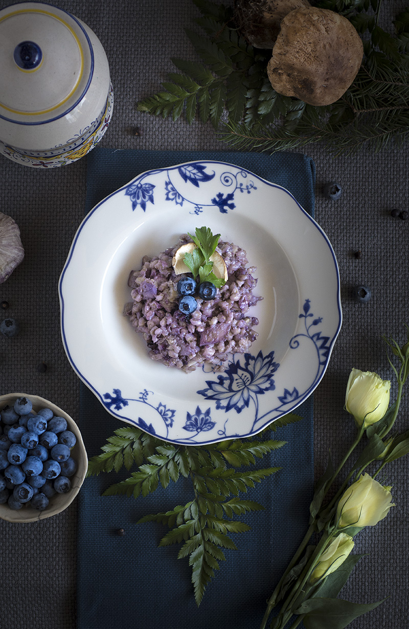 Blueberries porcini orzotto