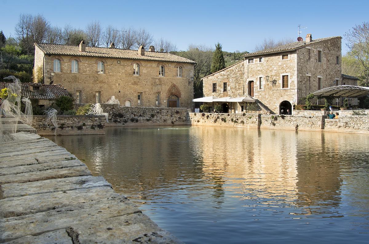 Bagno Vignoni square