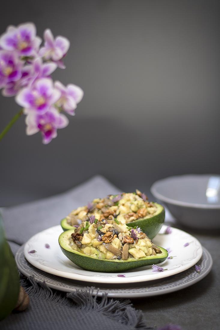 Barchette avocado e noci