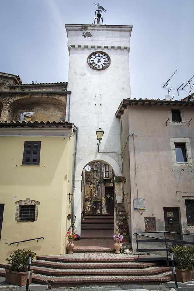 Castelnuovo porta